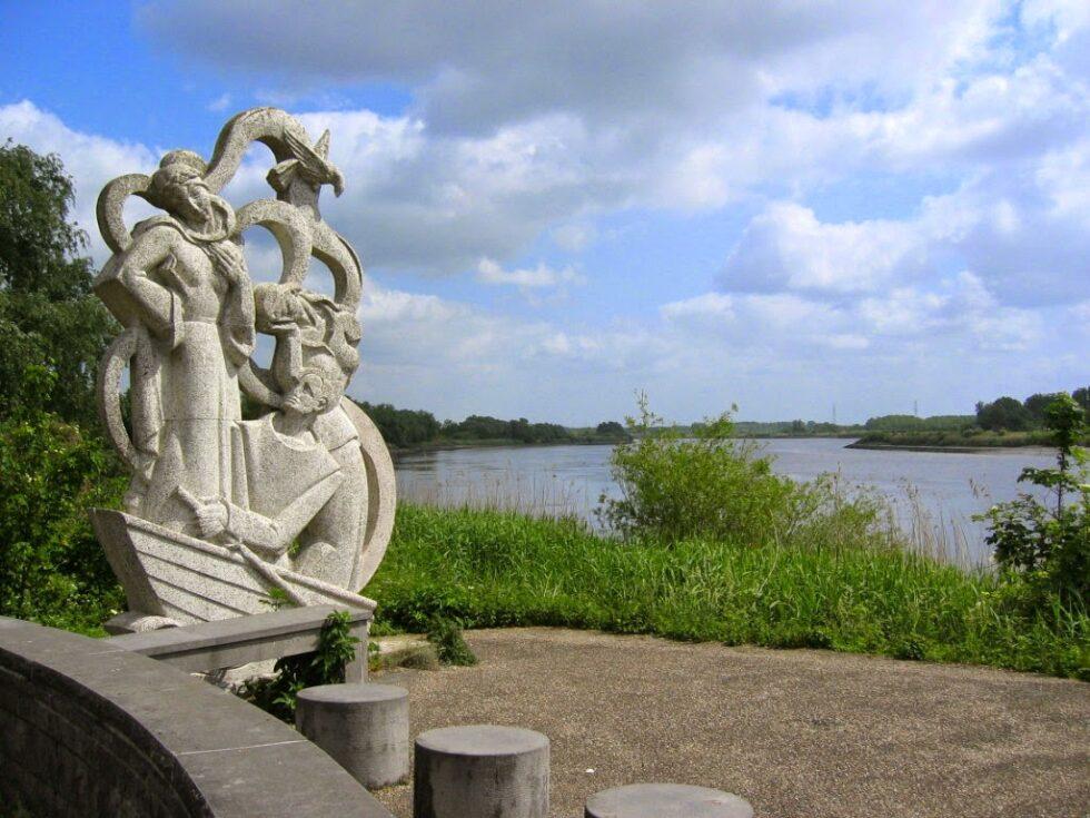 Standbeeld Filip De Pillecyn